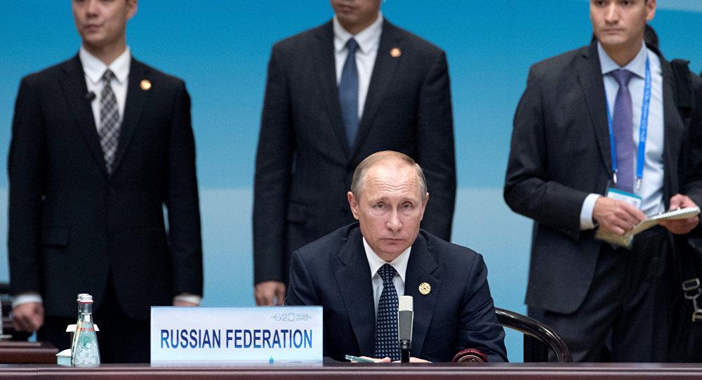 Le président russe Vladimir Poutine avant le début de la cérémonie d'ouverture du Sommet du G20 à Hangzhou