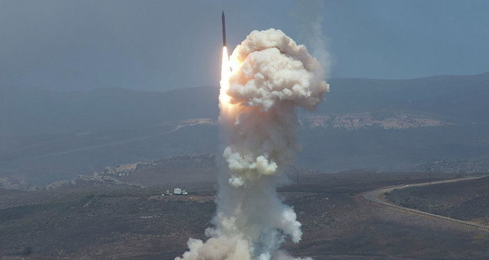 Le lancement du missile-intercepteur Ground-based Midcourse Defense (GMD), le 22 juin 2014