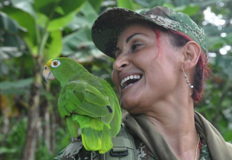 Patricia, chef de section, combattante depuis 20 ans déjà. Son fils de 11 ans habite avec sa sœur et sa mère à Medellin.