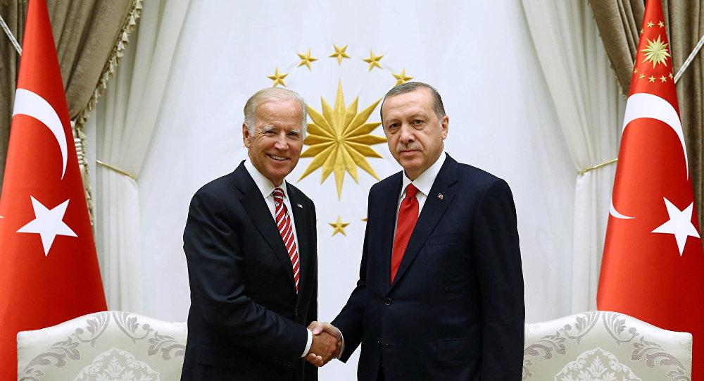Le vice-président américain Joe Biden et le président turc Recep Tayyip Erdogan