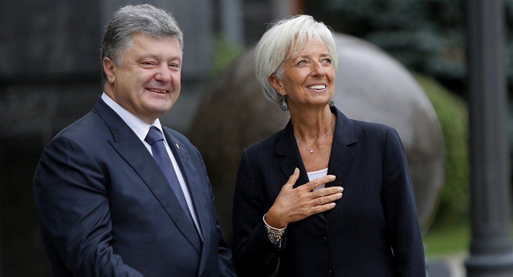 Le président Ukrainien Piotr Porochenko et la directrice générale du FMI Christine Lagarde