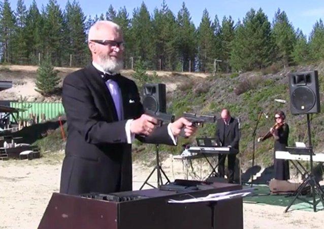 Concerto pour orchestre et pistolet