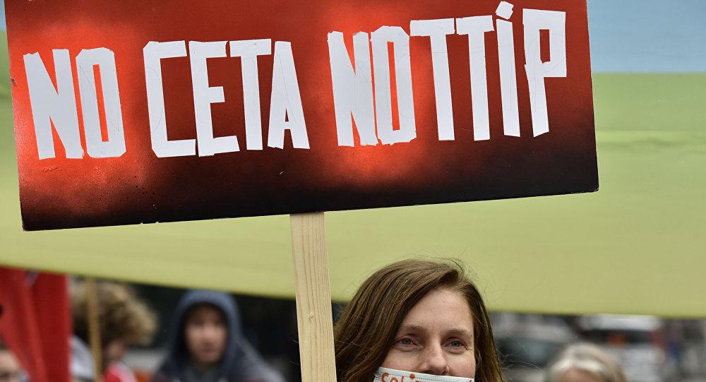 La manifestation contre CETA et TTIP