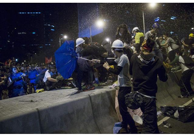 Hong Kong : le chef des protestataires entame une grève de la faim