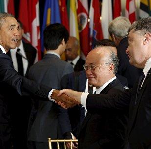 Un court dialogue Obama-Porochenko lors d'un déjeuner organisé par Ban Ki-moon