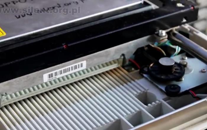 Un hit des années 1980 joué sur des lecteurs de disquettes