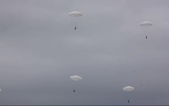 Les entrainements des troupes aéroportées en Russie