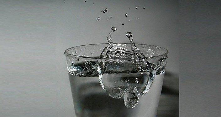 Cet étudiant sait comment transformer l'eau salée en eau potable pour trois fois rien!