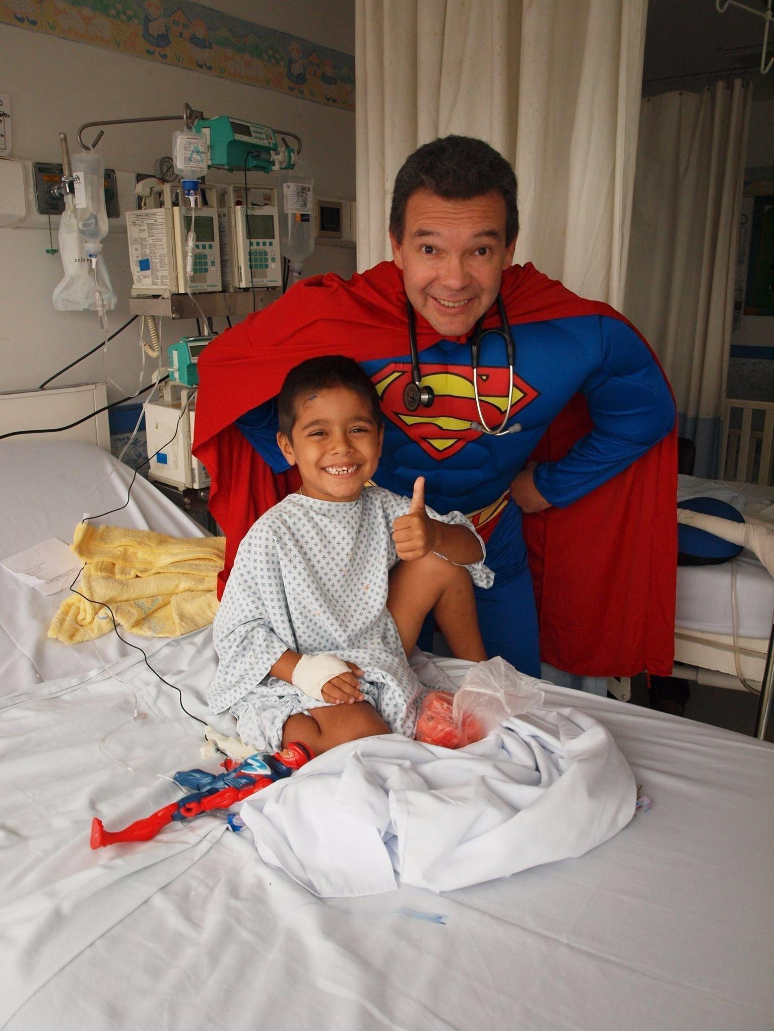 Sergio Gallegos Castorena, médecin et super-héros