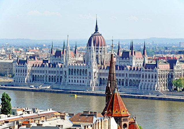 Le bâtiment du parlement hongrois à Budapest