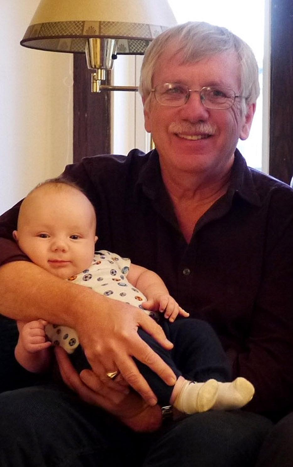 Harold et son petit fils, Henry