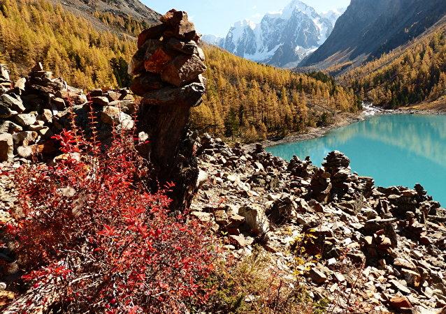 Le turquoise des lacs de l'Altaï