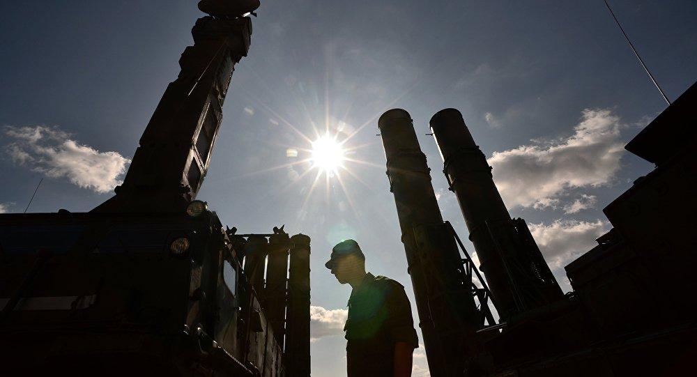 Moscou nomme la raison du déploiement des S-300 en Syrie