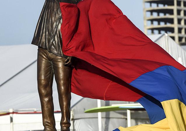 Une statue d'Hugo Chávez