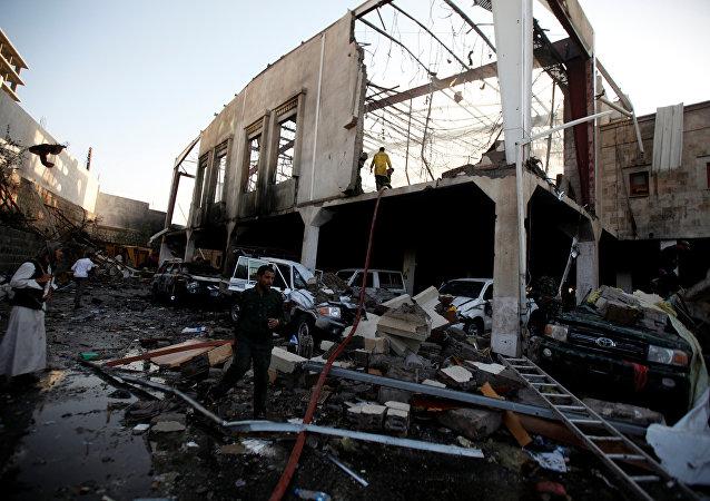 Sanaa bombardée