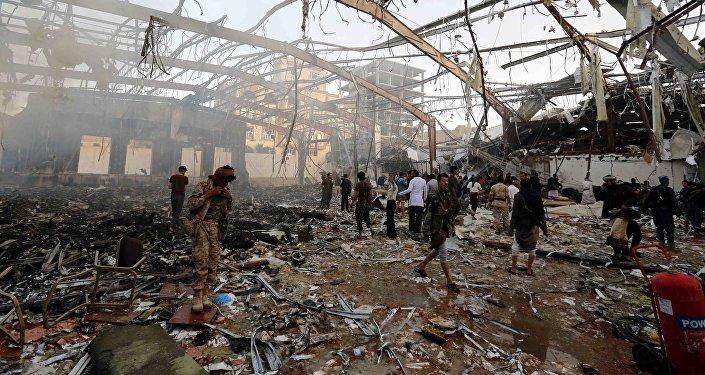 Nouveaux raids de la coalition arabe sur l'aéroport de Sanaa — Yémen