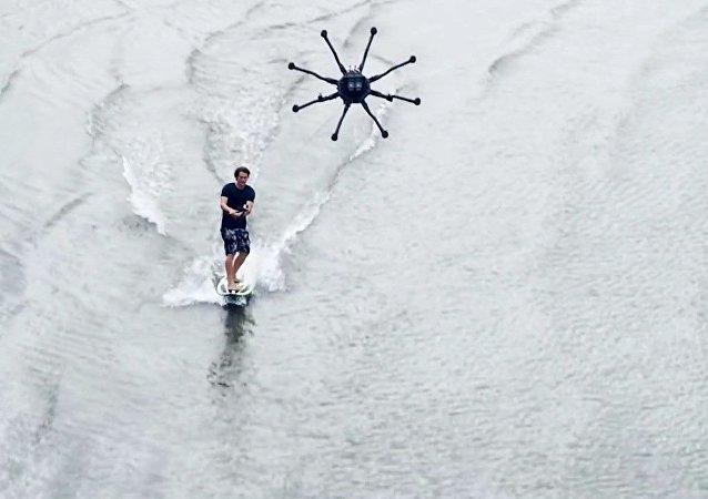 Quand un drone et un surf se rencontrent