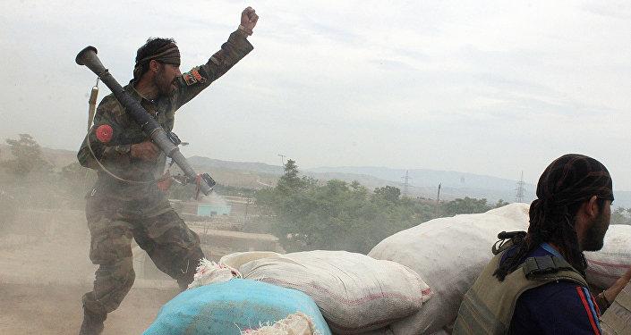Le soldat de l'armée afghane
