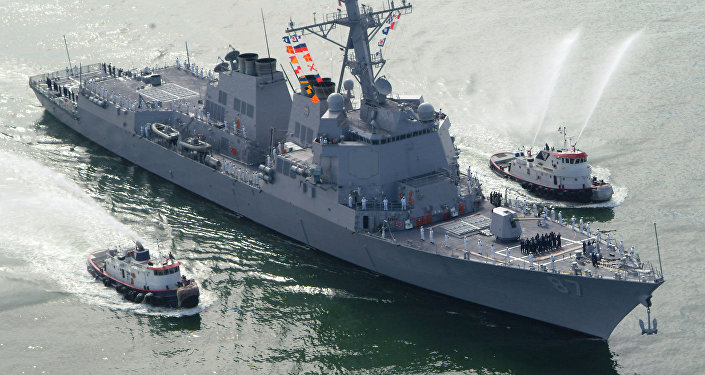 The USS Mason (DDG 87), a guided missile destroyer, arrives at Port Canaveral, Florida, April 4, 2003