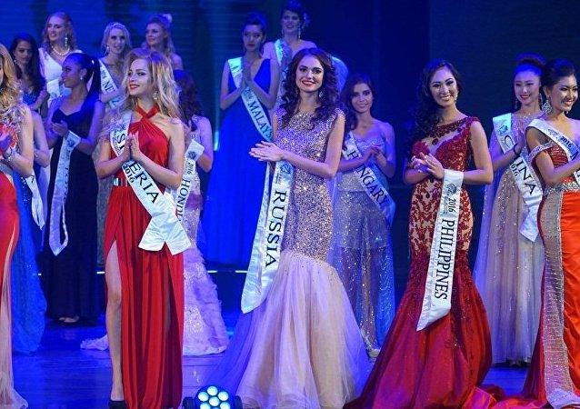 Les participantes d'un concours de beauté dont Miss Philippines