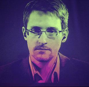 Snowden explique pourquoi May a perdu sa majorité absolue