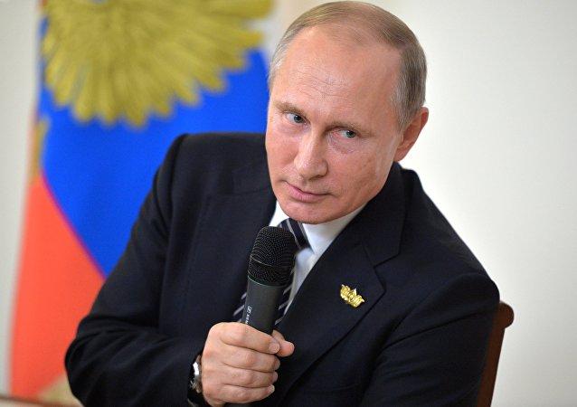 Poutine n'entend pas annuler les contre-sanctions