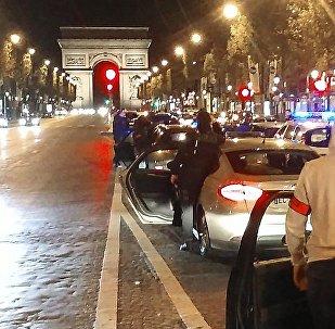 Les policiers manifestent à Paris