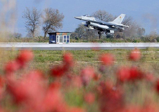Un avion de combat belge F-16