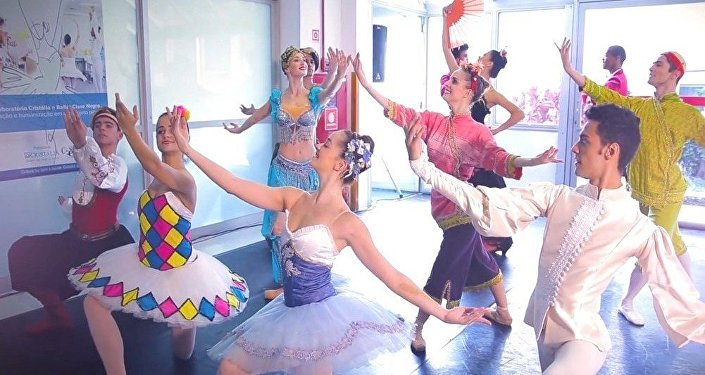 Cia Cisne Negro no projeto Dança nos Hospitais em São Paulo
