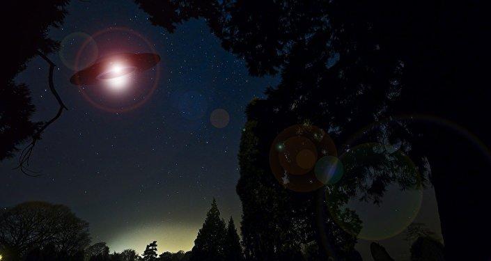 Observation d'ovnis? Une lueur mystérieuse dans le ciel US captée en vidéo