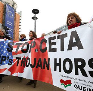 La manifestation contre le CETA