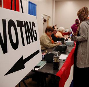 Présidentielle US: les machines de vote en panne font vaciller le recomptage