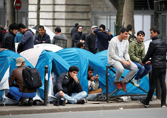 Un campement de migrants à Paris
