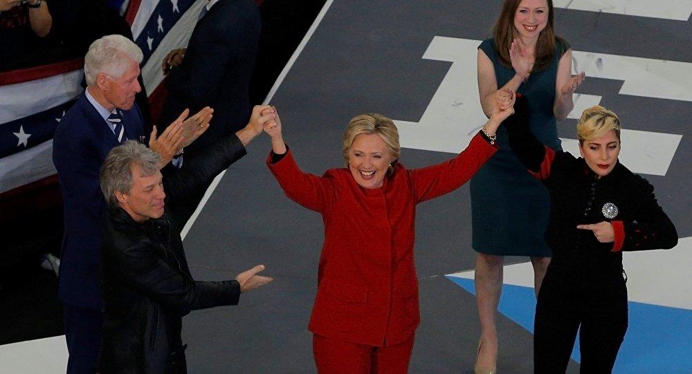 Élections US: tous les sondages favorables à Clinton à la veille du scrutin