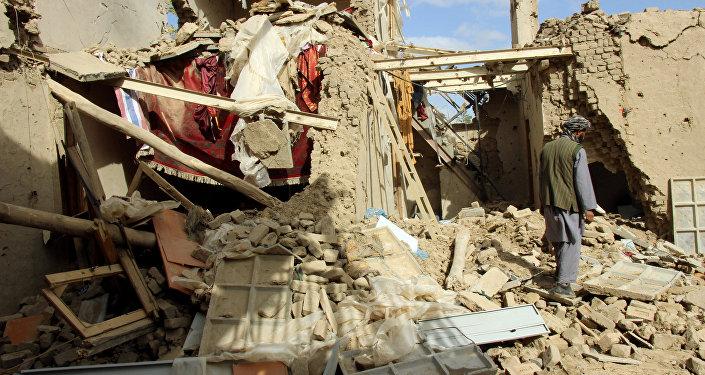 La maison détruite par la frappe aérienne dans la ville afghane de Kunduz