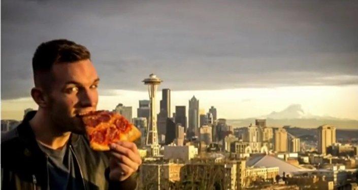 Ce mec canon fait le tour du monde en quête de pizza