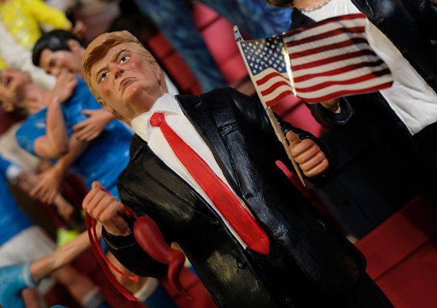 Statuette de Donald Trump