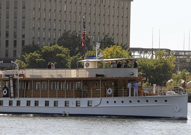 Le yacht Sequoia