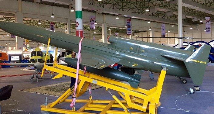 Le drone de combat iranien Karar 45-3, capable d'attaquer les unités isolées des troupes terrestres, les ponts et d'autres sites situés à proximité des forces ennemies