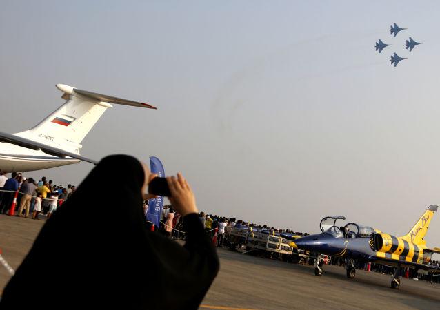 Le groupe de voltige aérienne Preux russes au salon Iran Air Show 2016