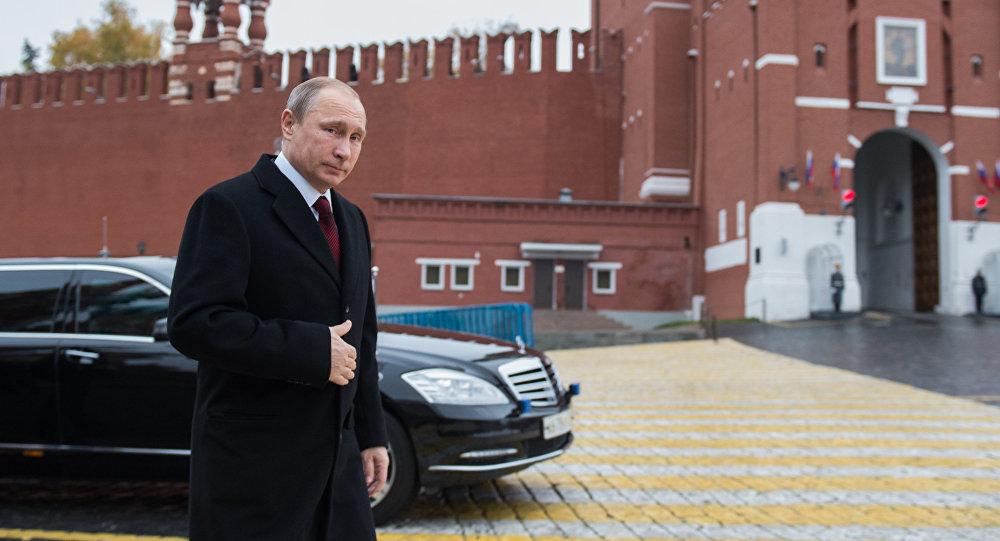 Expert français: les USA tentent d'entraîner Poutine dans une course aux armements