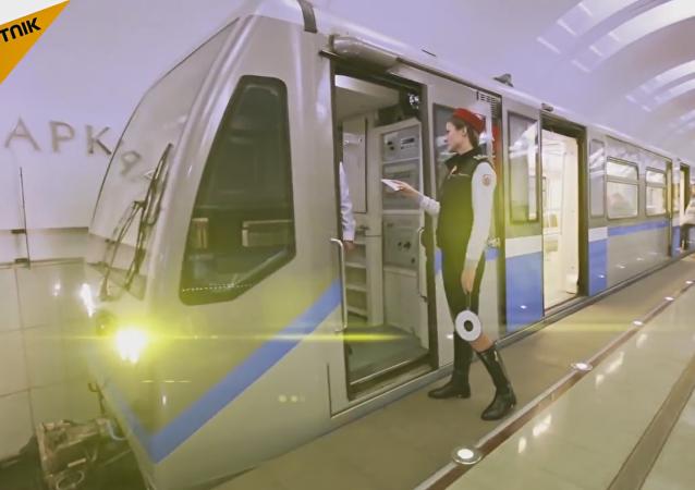 #MannequinChallenge dans le métro de Moscou