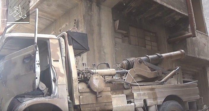 Syrie: à court d'armes, les terroristes tirent avec un canon du XIXe siècle