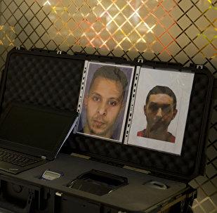 Les photos de Salah Abdeslam (G) et de Mohamed Abrini (D)