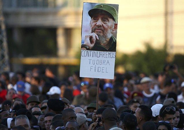 Un million de Cubains ont honoré la mémoire de Fidel Castro