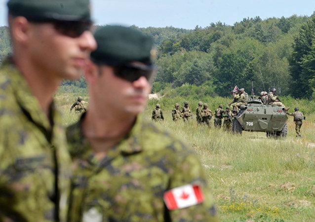 Les militaires canadiens