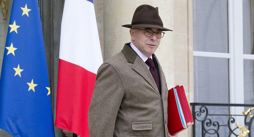 Le gouvernement Cazeneuve a présenté sa démission