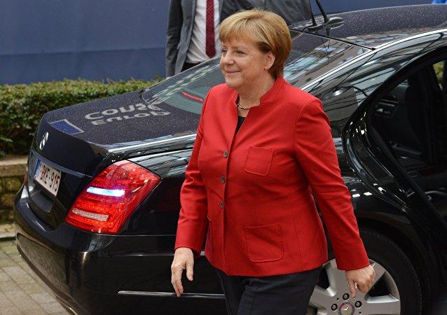 Merkel: l'Allemagne doit repenser ses relations avec l'Otan et la Russie