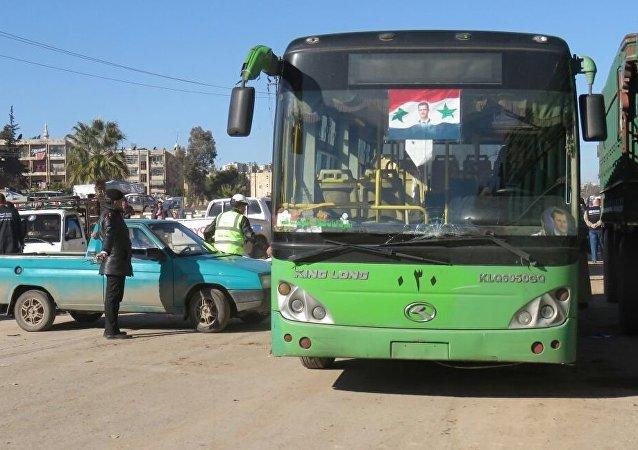 Environ 1.500 civils évacués d'Alep