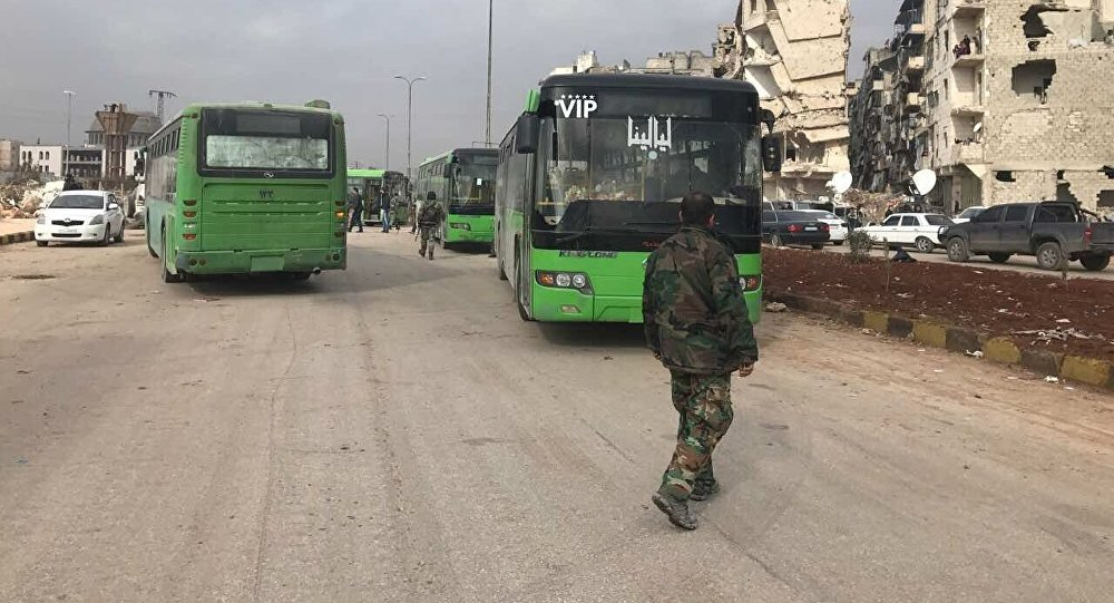 Les bus pour évacuer les combattants restés à Alep-Est sont arrivés sur place